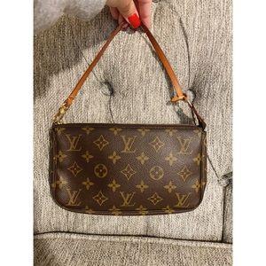 Louis Vuitton Vintage Pochette Accessoires